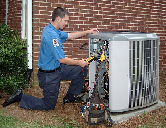 Minimize Breakdown Possibility With Experienced AC Technicians