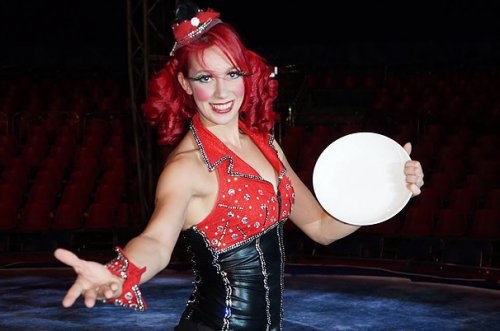 Celeste Consiglieri. Circus acts On Ice, Traditional rink, Cruise Ships. Clown, Spinning Cubes, Spinning Plate, Stilts on Ice