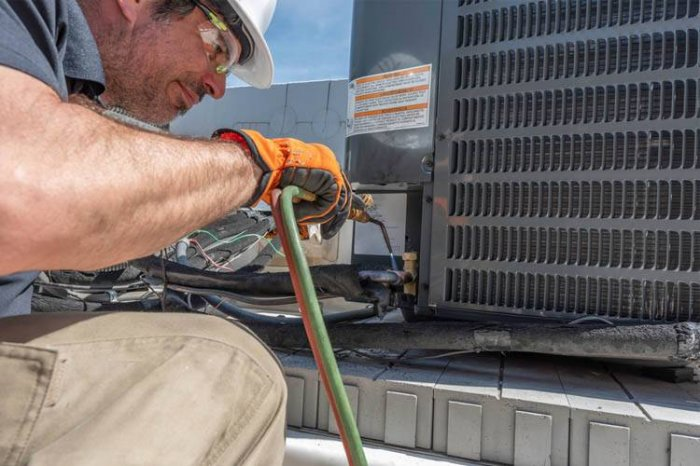 Access maintenance services from AC Maintenance Sunrise