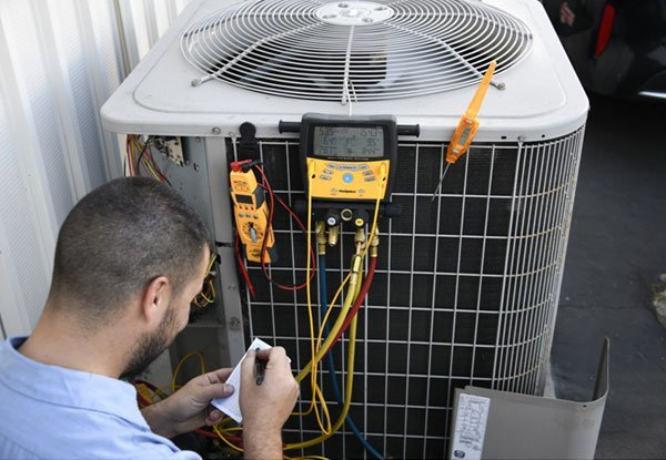 Get Quick Assistance from Proficient AC Repair Technicians